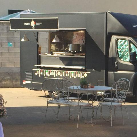 Il Food Track di DanSi: un catering itinerante, con tanto di dispensa, fornelli, pentole e utensili